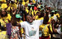ازدحام شدید مردم در تشییع رابرت موگابه +تصاویر