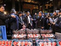 خرید 4کیلوگرم گوجه فرنگی، خیار، سیب زمینی و پیاز با 8هزار تومان در میادین میوه و تره بار