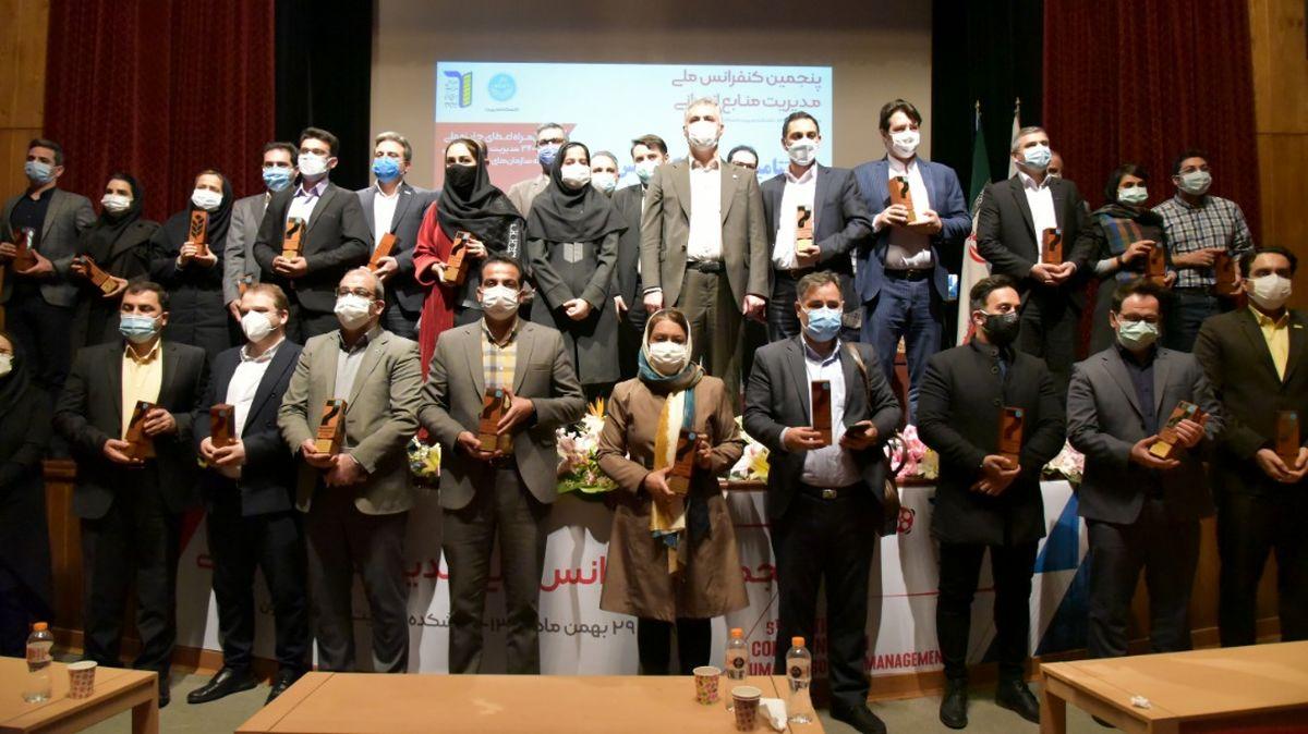 کسب نشان برنزین C3 توسط ایرانول در جایزه مدل۳۴۰۰۰ منابع انسانی