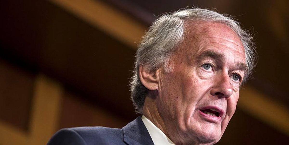 سناتور آمریکایی: باید آزمایش تسلیحات هستهای را متوقف کنیم