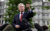 بولتون ایران را به لغو معافیتهای هستهای تهدید کرد!