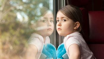 عواملی که باعث نزدیکبینی در کودکان میشود