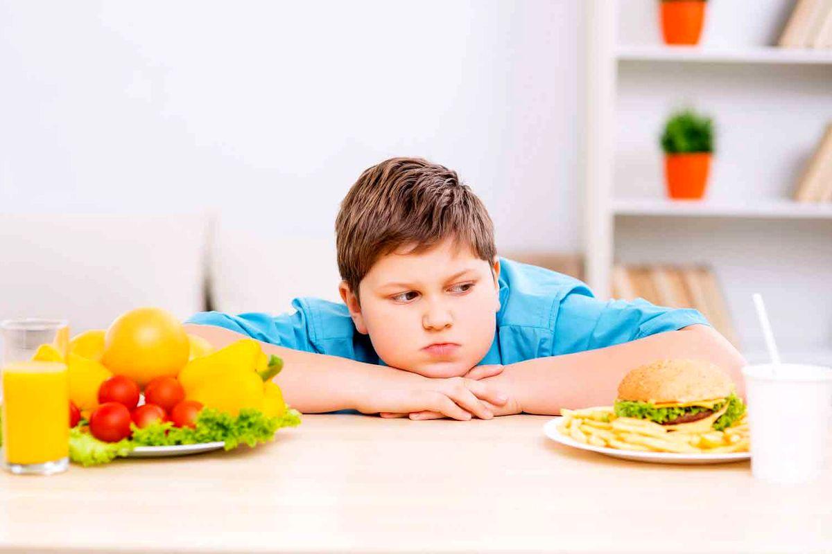 چه کنیم کودکانمان چاق نشوند؟
