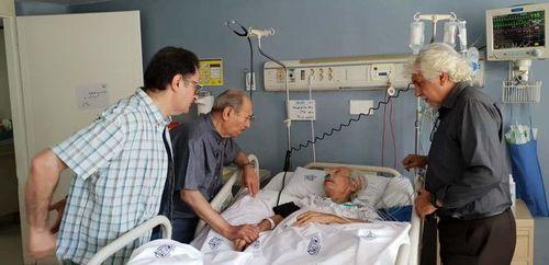 عیادت علی نصیریان از بازیگر پیشکسوت در بیمارستان