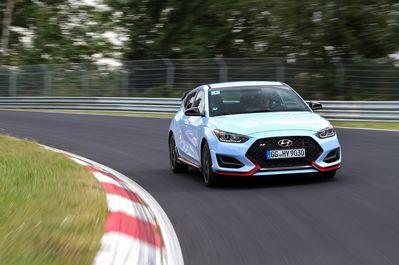 2019-Hyundai-Veloster-N-Nurburgring-Circuit-Driving-24