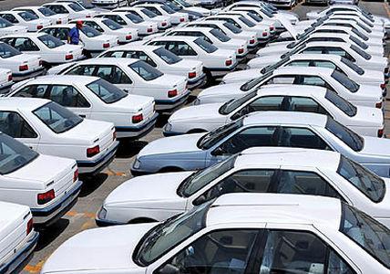 خودرو کماکان گران و بیمشتری