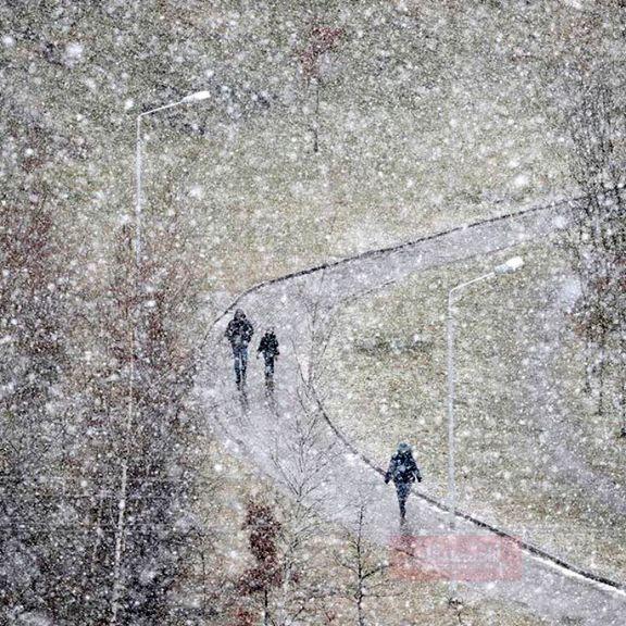 بارش برف و باران در محورهای ۱۸استان کشور