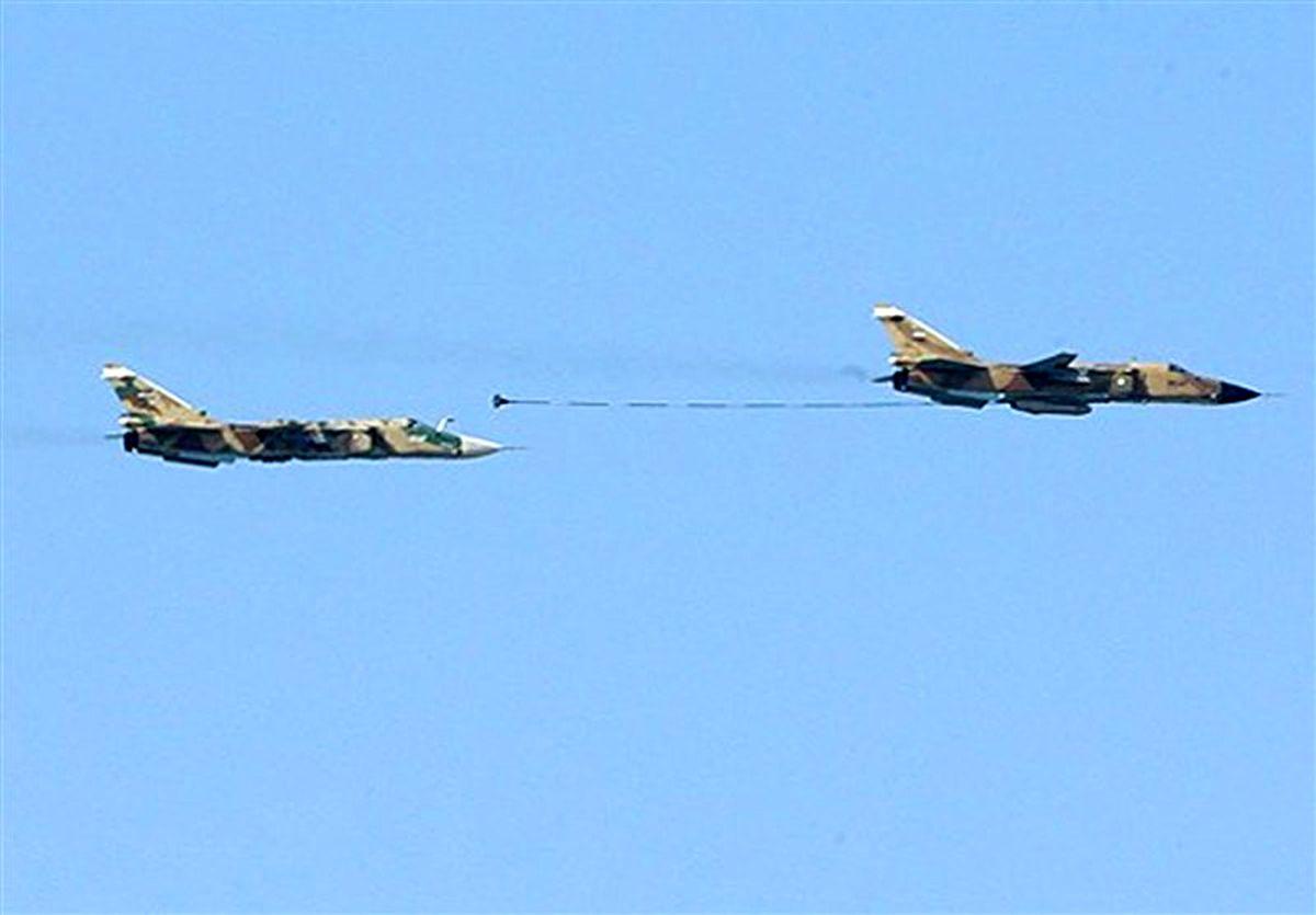 سوخترسانی یار به یار جنگنده سوخو ۲۴ +عکس