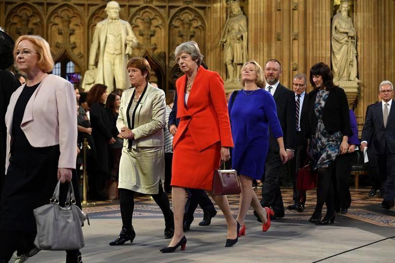 افتتاح پارلمان با حضور ملکه