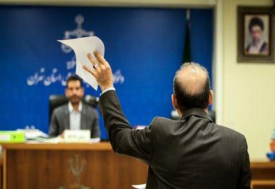 وکیل مرجان شیخ الاسلامی: موکلم متواری نیست!