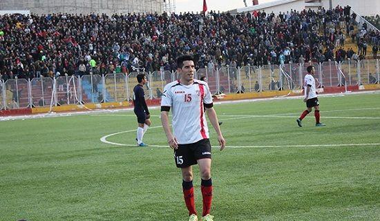 مرگ فوتبالیست کشورمان در پی سقوط سنگ +عکس