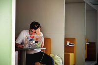 چگونه اضطراب را به طور طبیعی درمان کنیم؟