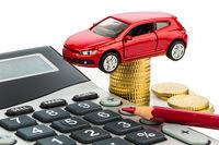 اخذ مالیات خودرو وارداتی با ارز نیمایی مغایر قانون است