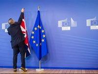 پارلمان انگلیس آغاز خروج از اتحادیه اروپا را تصویب کرد