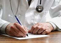 صف بیماران خارجی برای پزشکان ایرانی