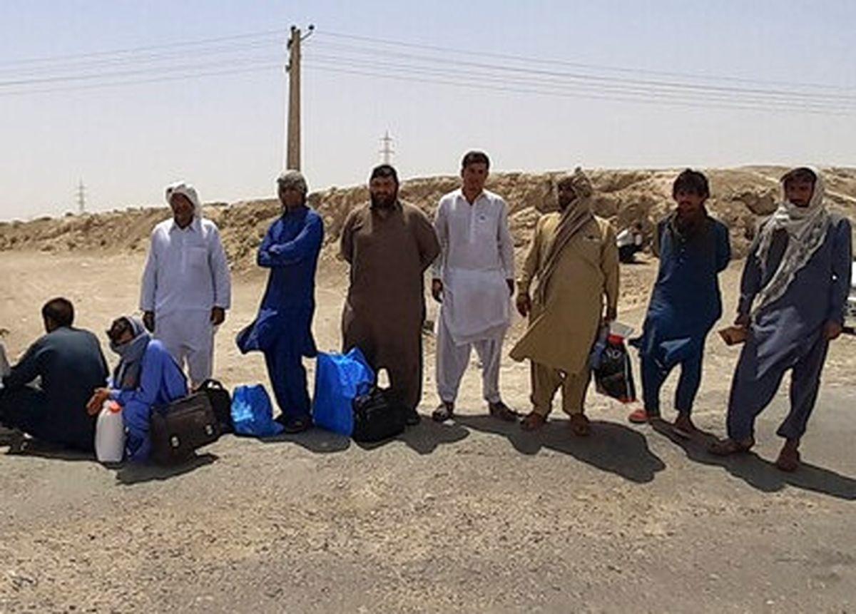لحظات متاثر کننده در فرودگاه کابل + عکس