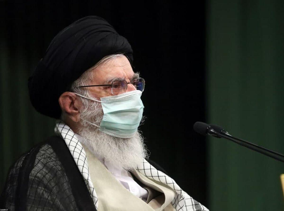 رهبر انقلاب در حرم امام خمینی(ره) +عکس