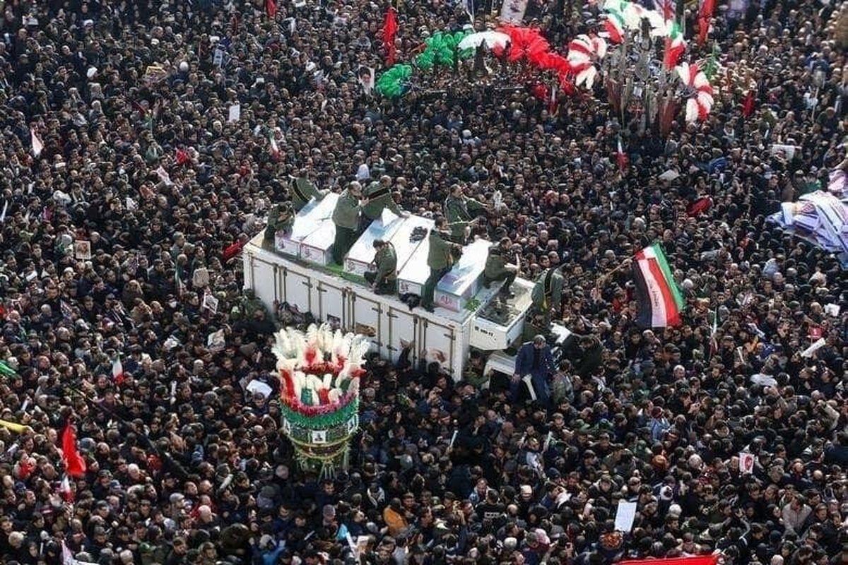 مراسم تشییع سردار سلیمانی در میان ۱۰۰عکس برگزیده رویترز