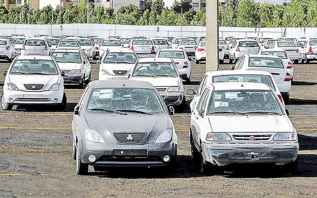 خریداران منتظر کاهش قیمتها در بازار خودرو هستند