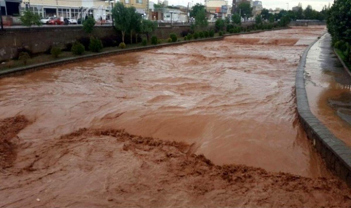 هواشناسی تهران: مردم در حاشیه رودخانهها اتراق نکنند