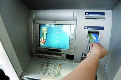 حواشی ممنوعیت صدور کارت عابر بانک برای بدهکاران +جزییات قانونی