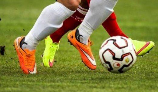 فوت پیشکسوت فوتبال خوزستان در هنگام بازی