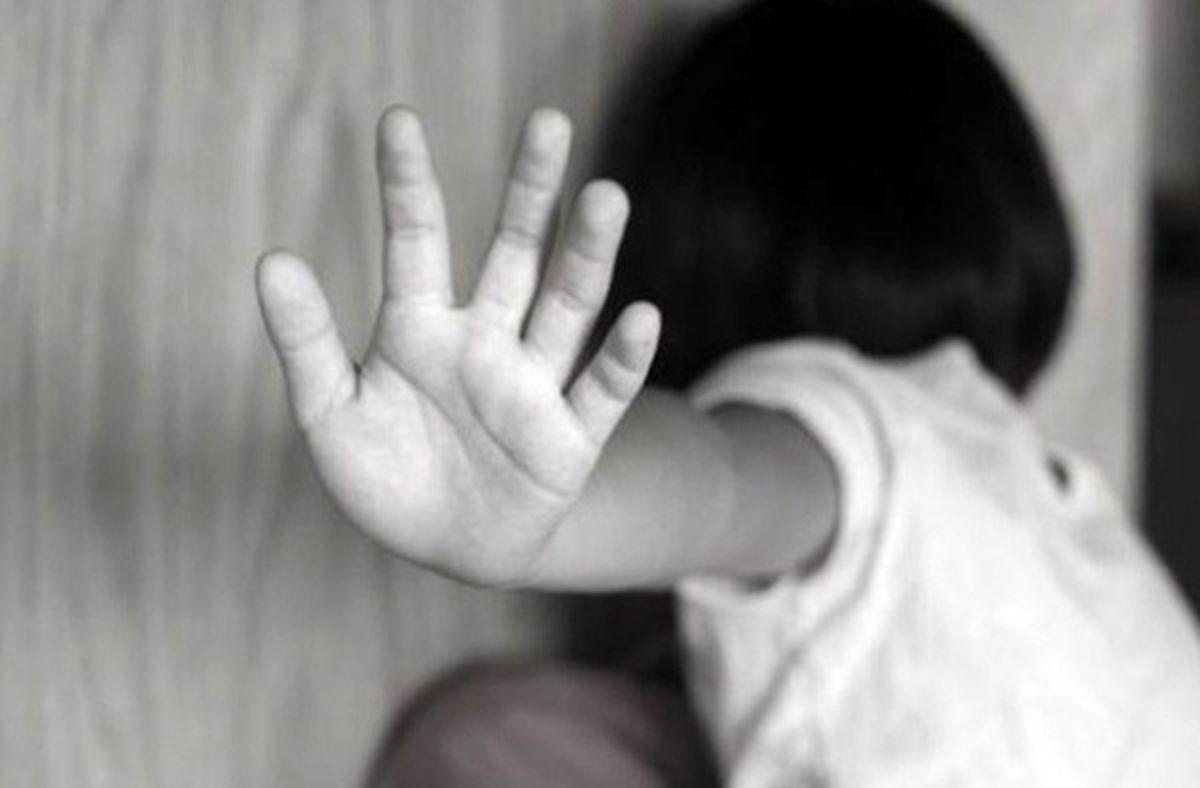 دستگیری ناپدری معتاد بهخاطر آزار کودک معلول +عکس
