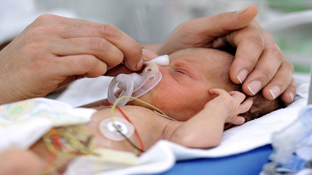 شیر مادر ناجی  قلب نوزاد نارس