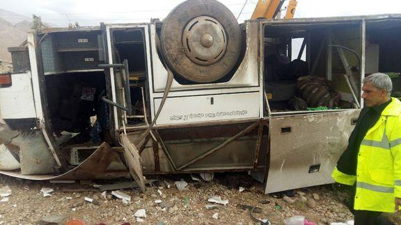 ۶فوتی در واژگونی مرگبار اتوبوس در سمنان +عکس