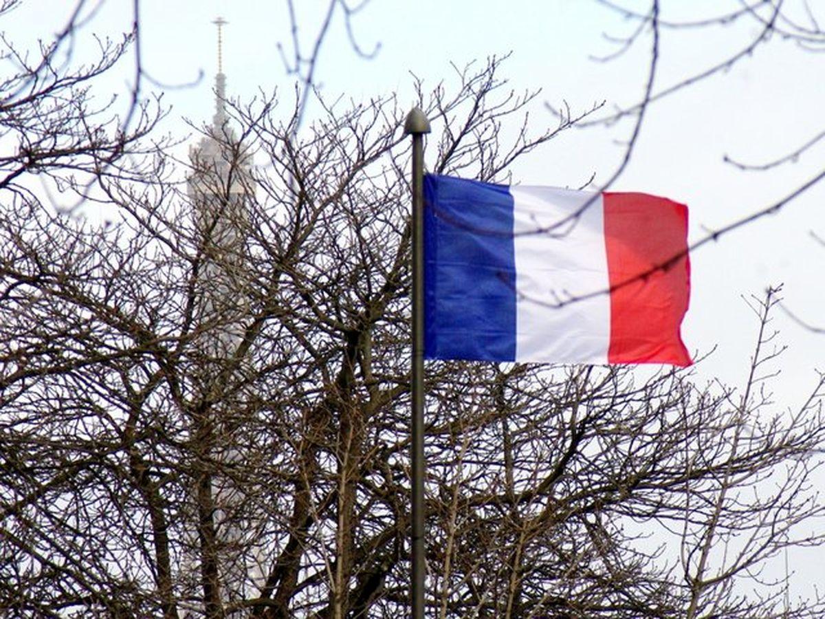 کرونا یک سوم اقتصاد فرانسه را تعطیل کرد