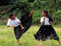 دختران تکواندوکار با دامن! +عکس