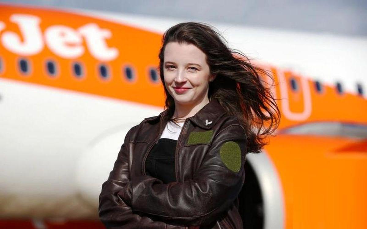 جوانترین خلبان زن در جهان کیست؟ +عکس