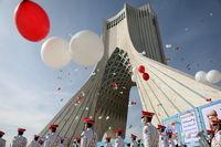 جشن خیابانی سالگرد پیروزی انقلاب در میدان آزادی +عکس