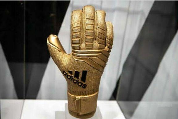 دستکش طلایی برای کدام گلر؟