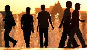 چرا بازار کار به جوانان روی خوش نشان نمیدهد؟