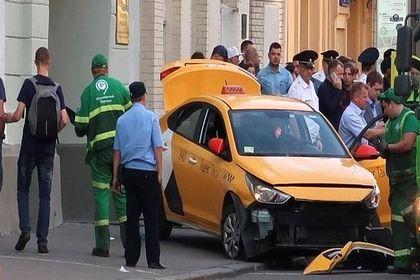 تصاویرحمله خودرو به طرفداران تیم ملی مکزیک در مسکو