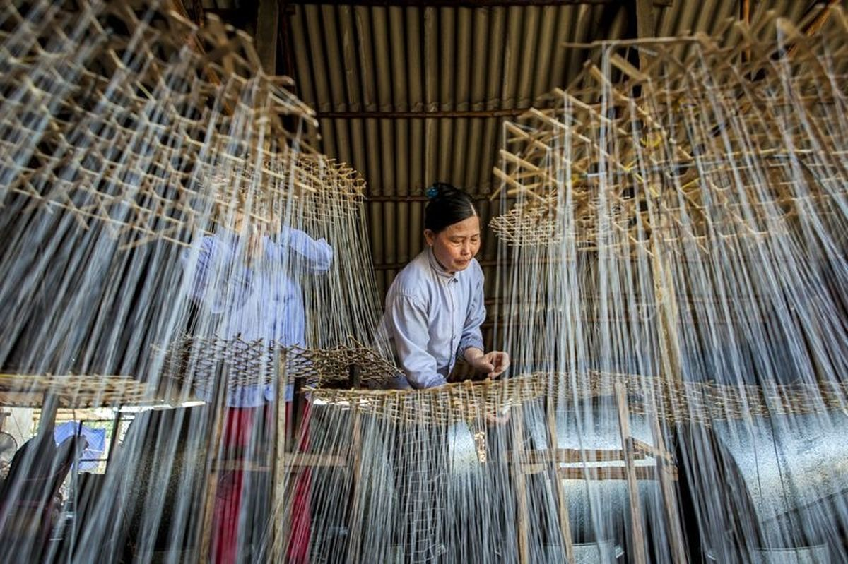کارگران کارخانه آبنباتسازی ویتنام +عکس