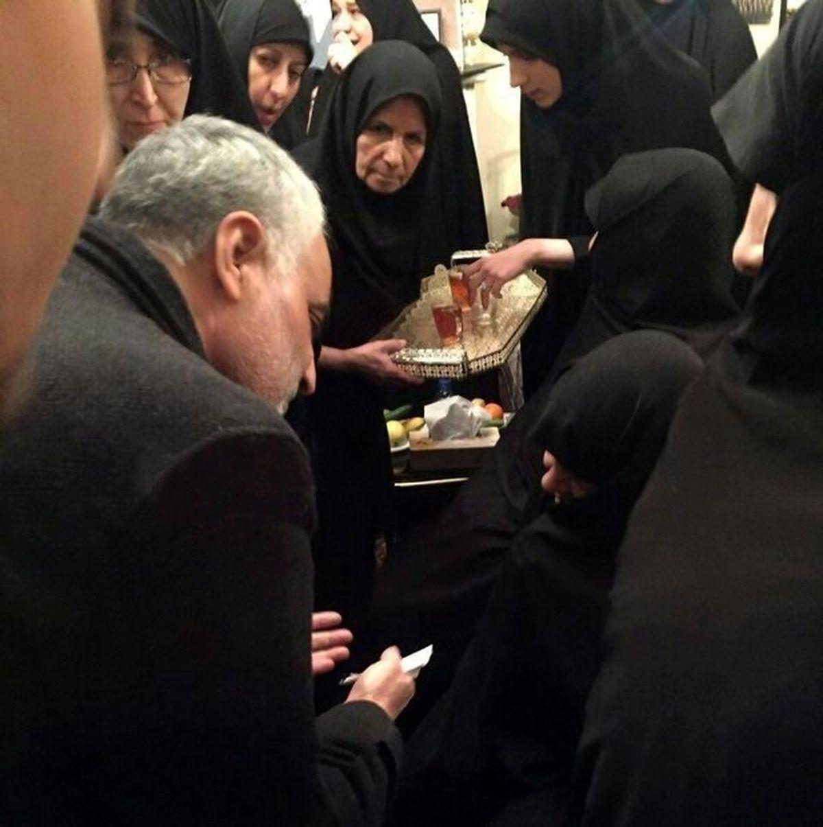 انگشتری که سردار سلیمانی به آیتالله هاشمی هدیه داد +عکس