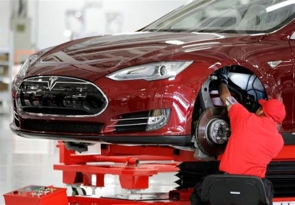 فروش خودروهای تسلا کاهش یافت