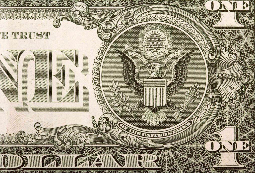 علایم روی اسکناس دلار به چه معناست؟