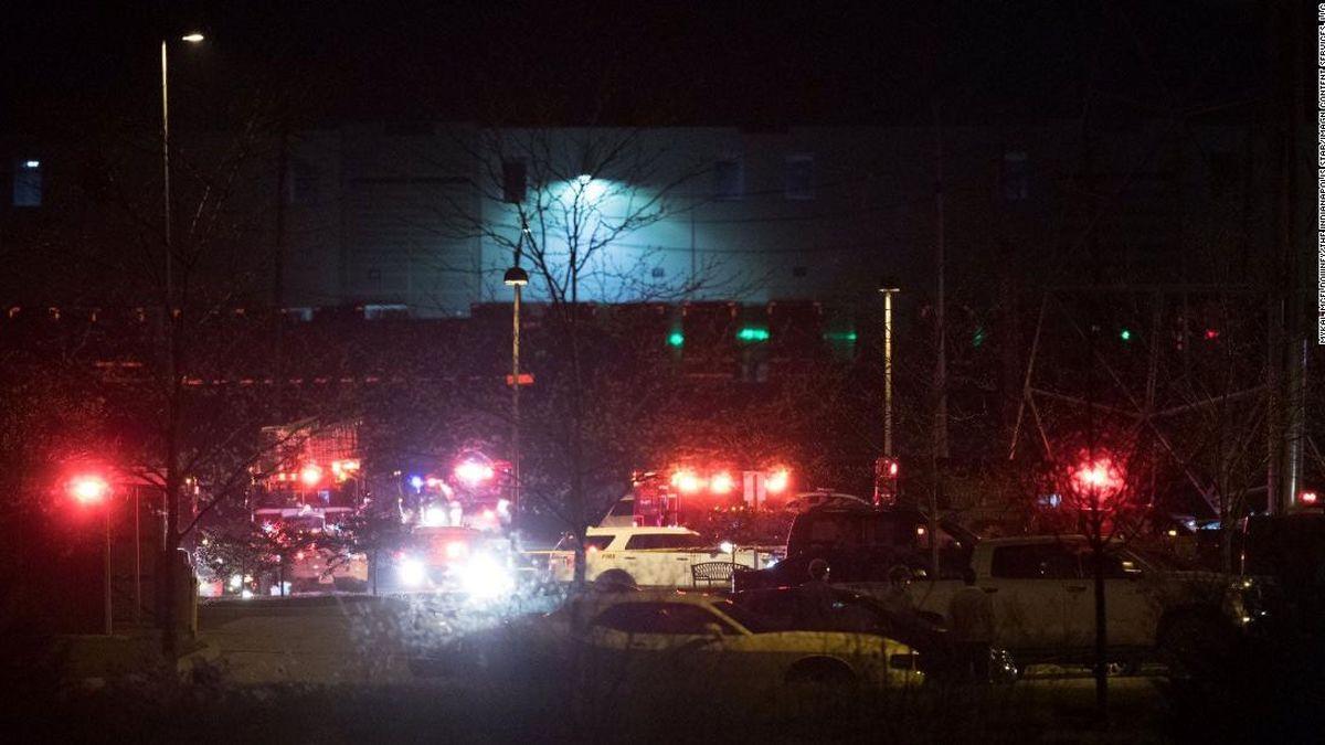 ۱۴کشته و مجروح در تیراندازی نزدیک فرودگاه ایندیاناپلیس