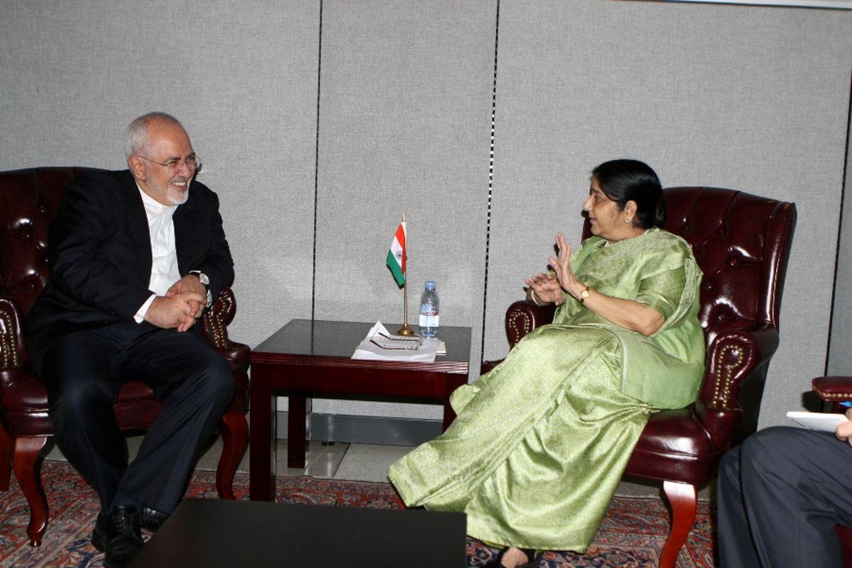 هند به خرید نفت از ایران ادامه میدهد