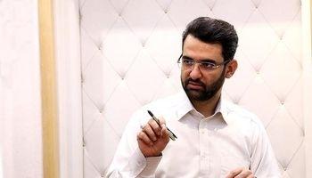 وزیر ارتباطات: اعتقادی به قطع کردن فضای مجازی ندارم