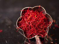 چه کسی قیمت زعفران در بازار شب عید نوروز ۱۴۰۰ را تعیین میکند؟