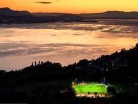عجیبترین زمینهای فوتبال در جهان +تصاویر