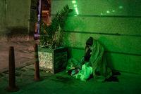 خانهنشینیِ خیابانی! +عکس