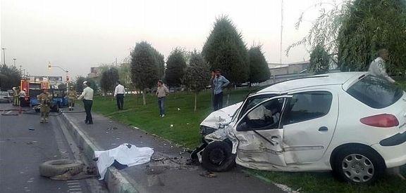 مرگ دلخراش راننده نیسان در حال تعویض لاستیک +عکس