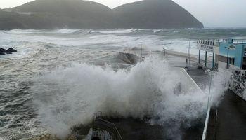 طوفان لورنزو  پرتغال را در هم کوبید +فیلم