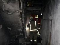 نجات معجزهآسای دختر ۳ساله در آتشسوزی خاوران +تصاویر