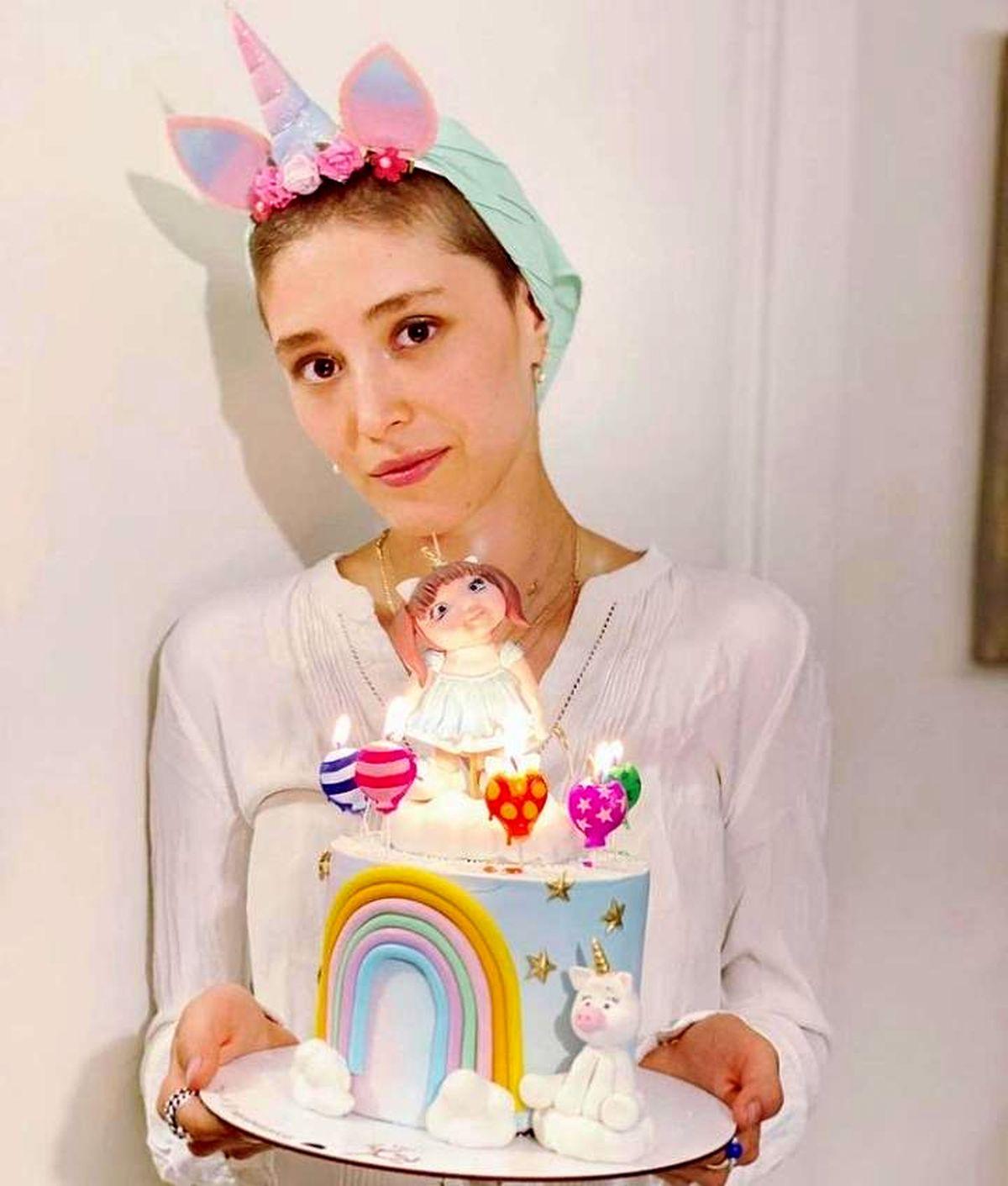 استایل رنگی فرشته حسینی در تولدش + عکس